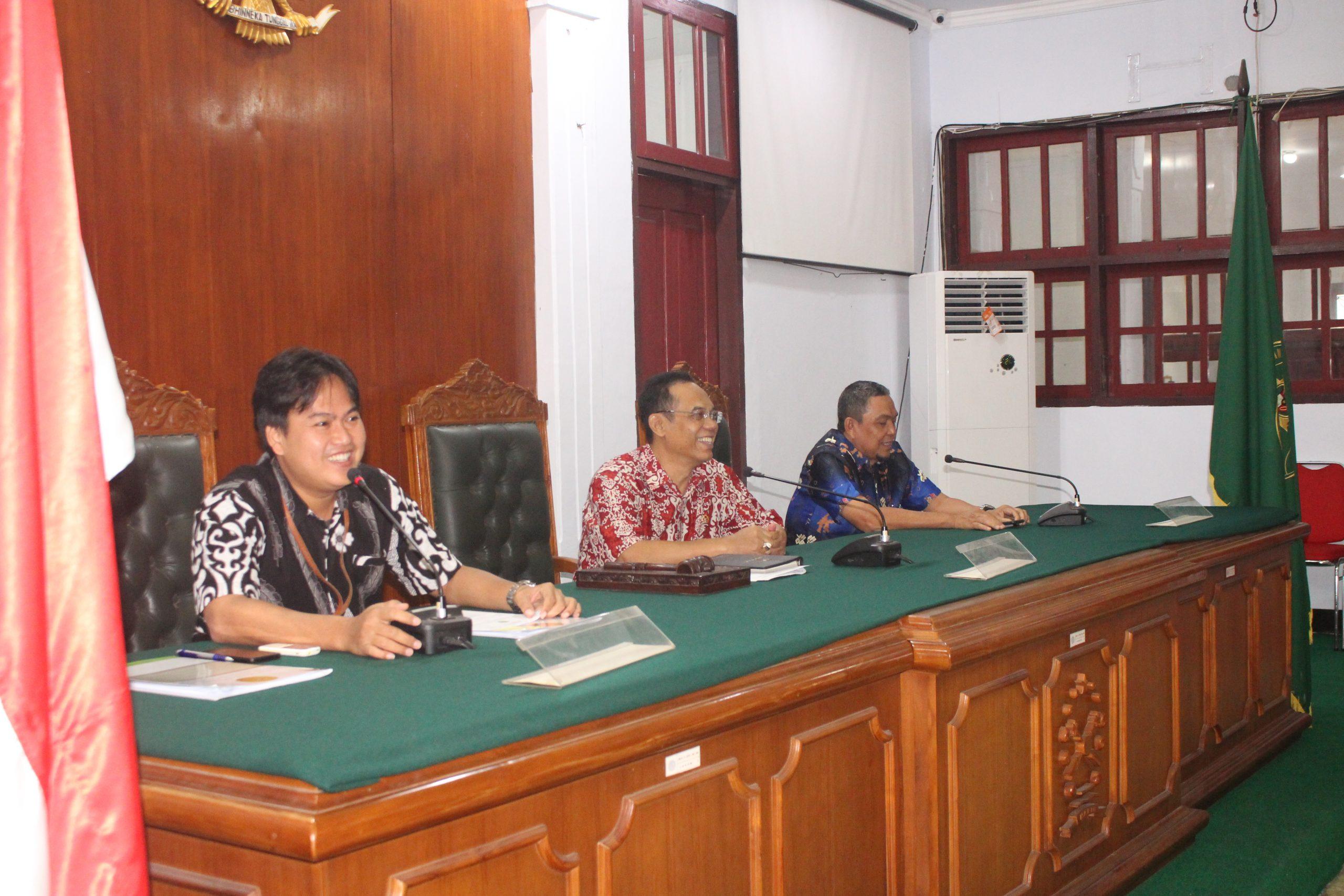 Tatap Muka/Pengarahan Tim  Assemen Akreditasi Penjaminan Mutu Pada PTUN Manado Tahun 2020