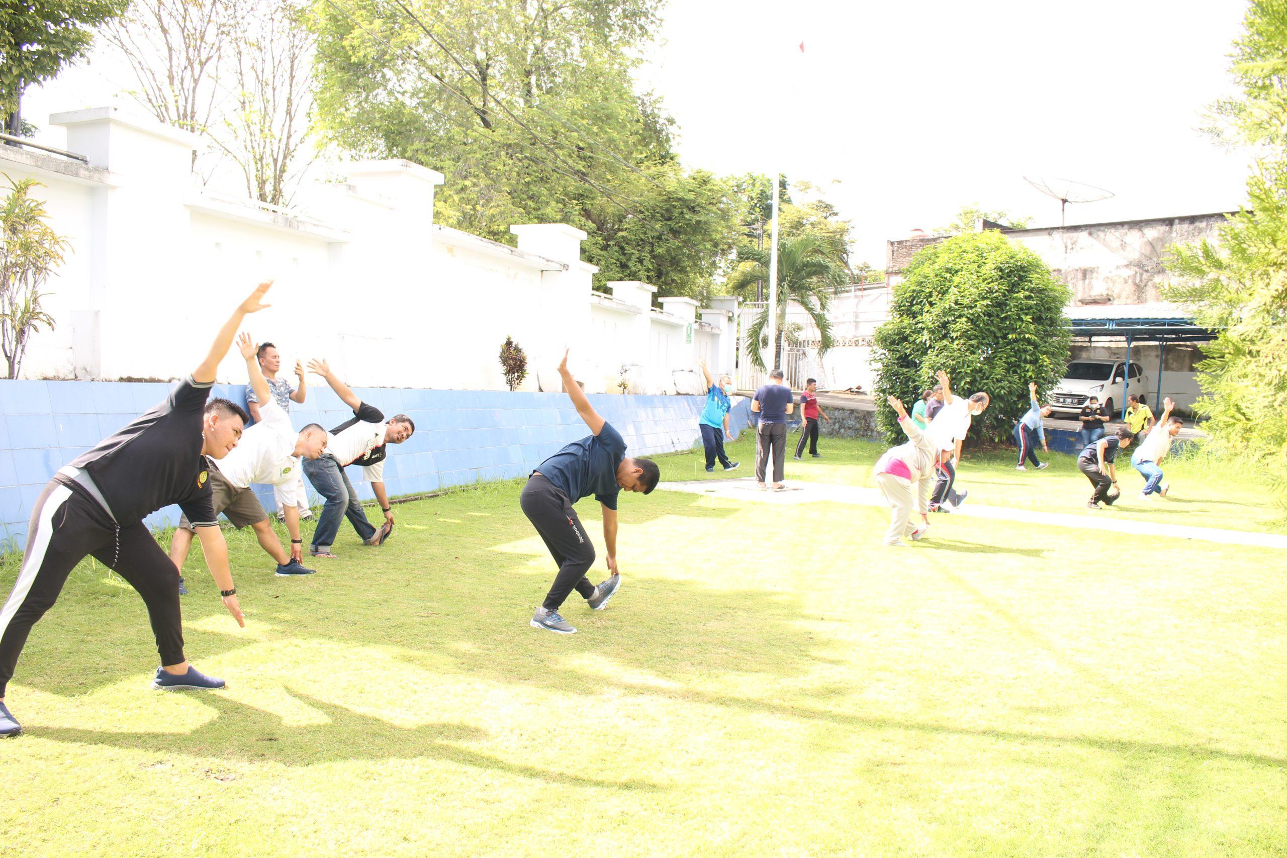 Olahraga Bersama Dengan Senam Zumba Keluarga Besar PTUN Manado